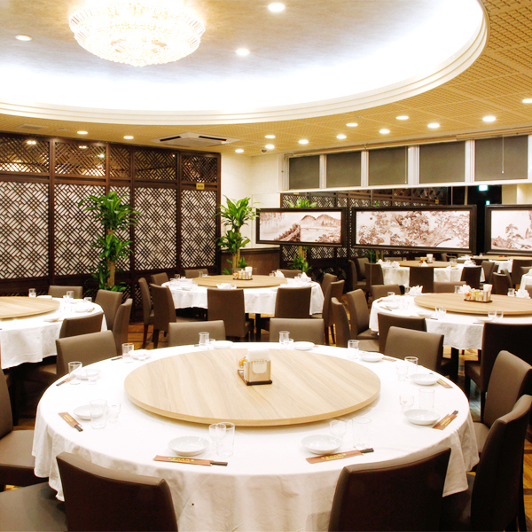 Speaking Chinese food Round Table! Popular with meals and company banquets etc. with family