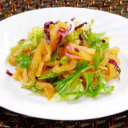 クラゲと野菜の和え物