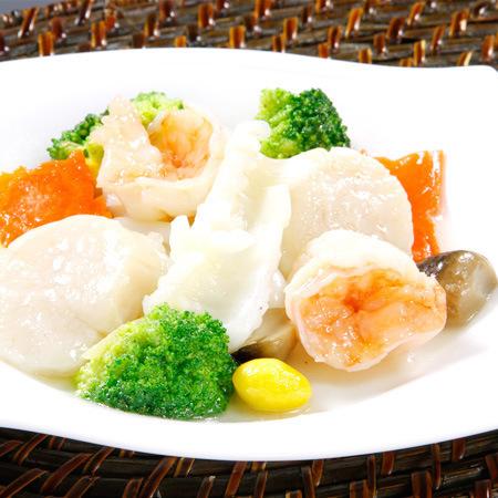 三種海鮮と季節野菜の炒め