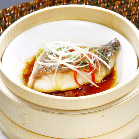 Steamed white onion fish ginger sauce