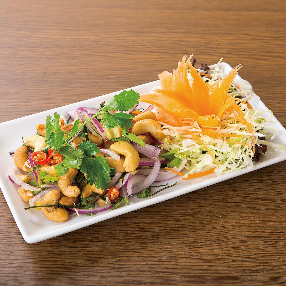 腰果沙拉用泰国样式草本