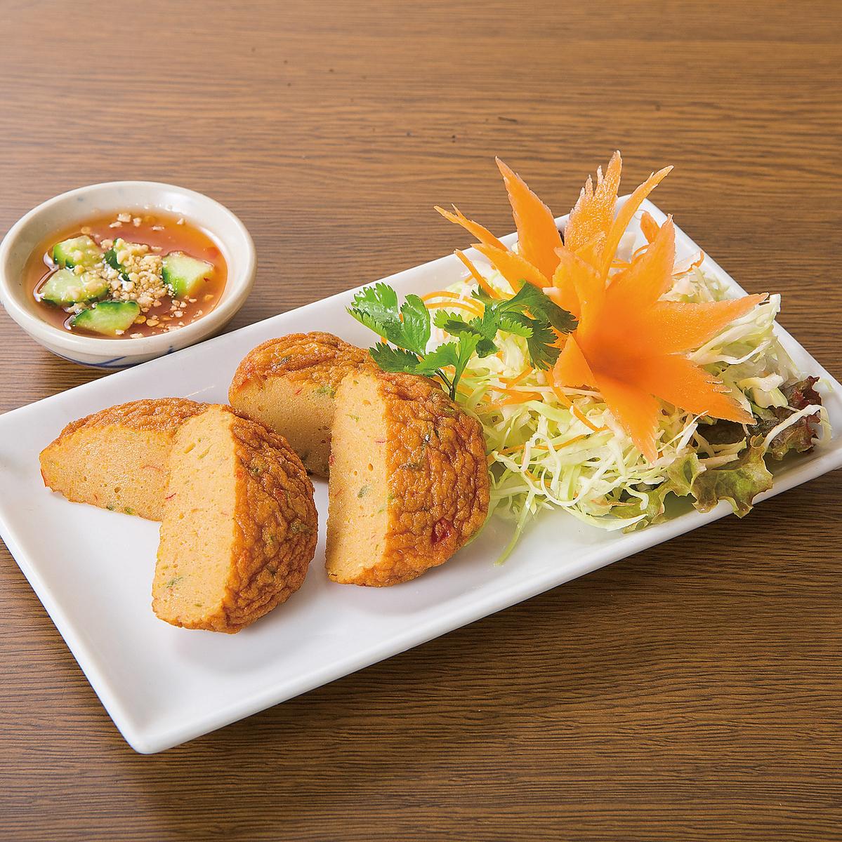 泰式鱼的辣炸鱼/萨摩萨
