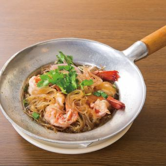 Steamed prawn and vermicelli pot