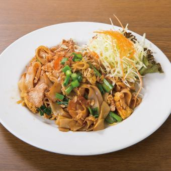 Thai style thick noodle fried noodles