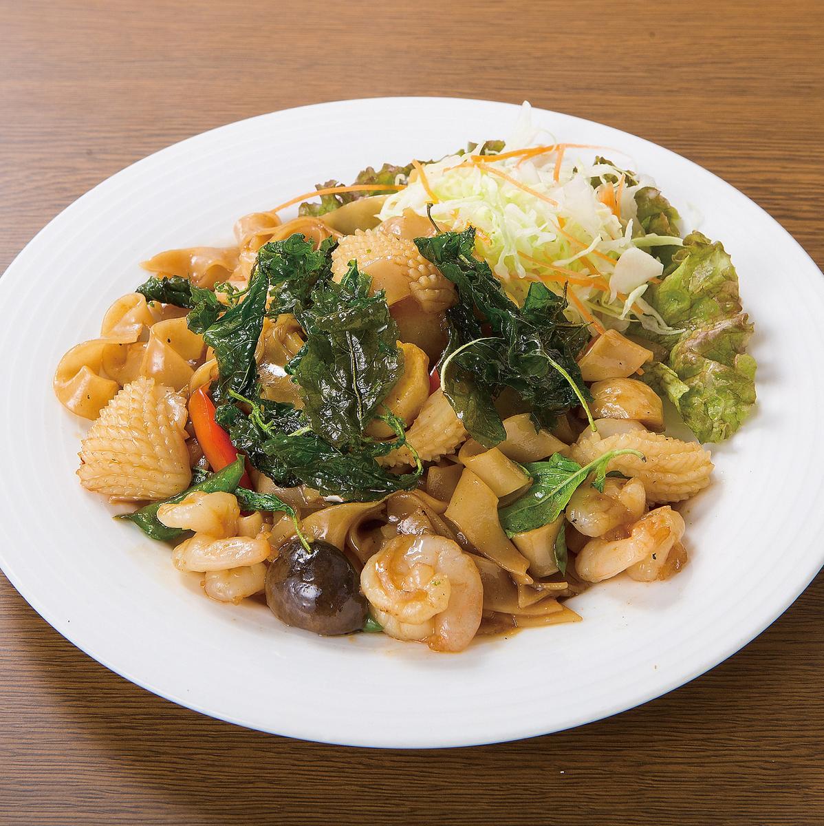 虾炒辣面条炒面/炸虾与春雨/炒Thaiski
