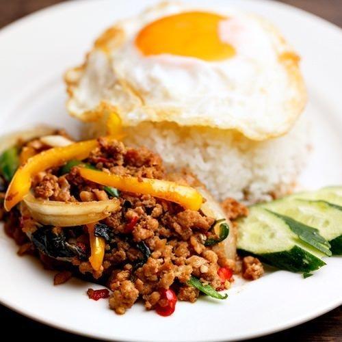 精致的泰国美食午餐♪我们受欢迎的Gapao Rice