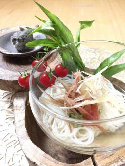 【稚鮎素麺 梅肉トマト 山形のだし 稚鮎ペースト】