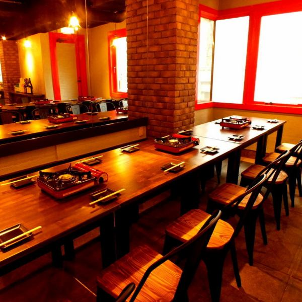 Because it is also possible to move between tables, we also enjoy authentic Korean cuisine including girls' party, companion, birthday party ◎ Cheese Taccarbie and Samgyeopsal!