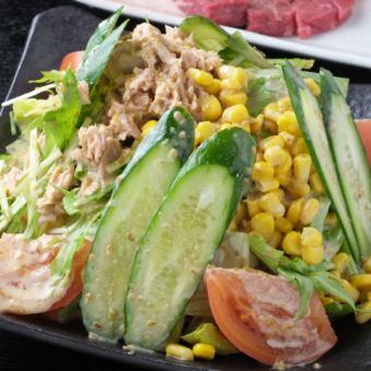 Tsunakorn salad