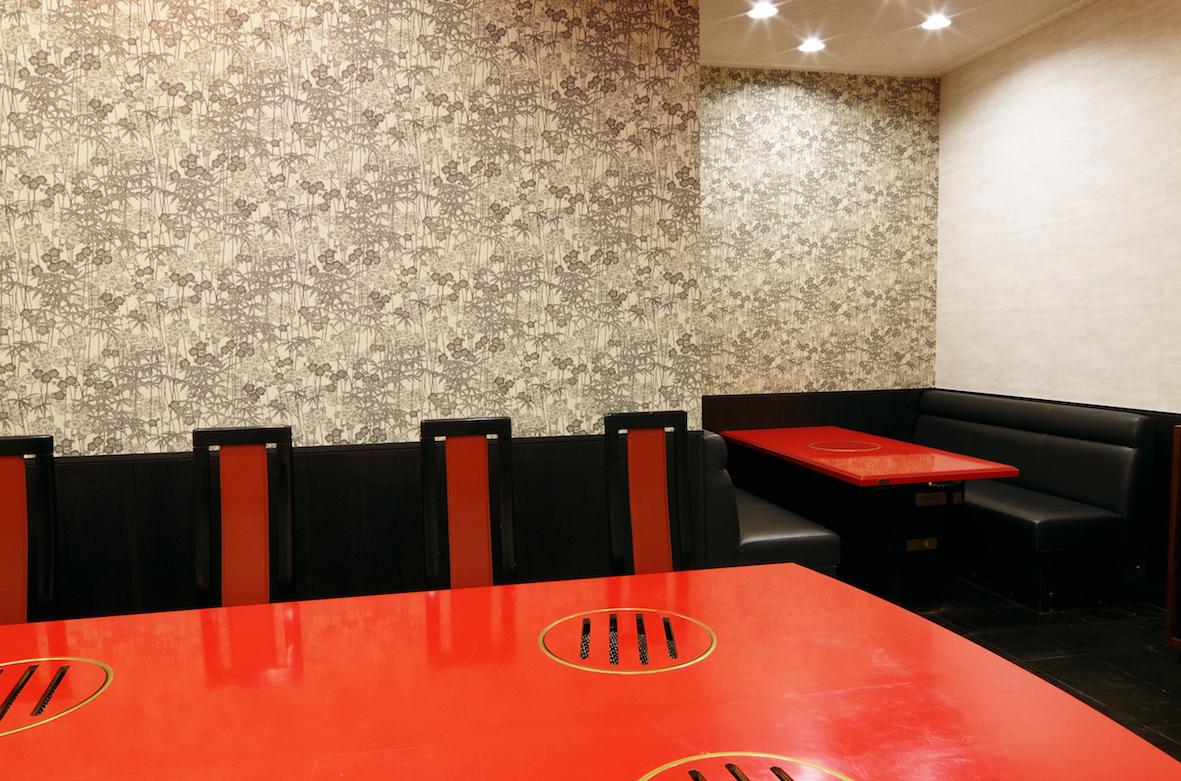 【一楼/桌座】最多可容纳8人。明亮开放的座椅。请在日常使用享受用餐♪