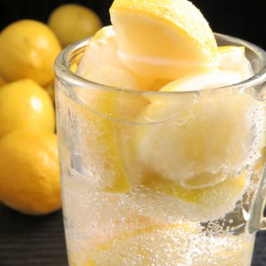 "【Hidaka and new special product! 2nd bullet】 New sensation drink made with frozen lemon ""Gachi lemon"""