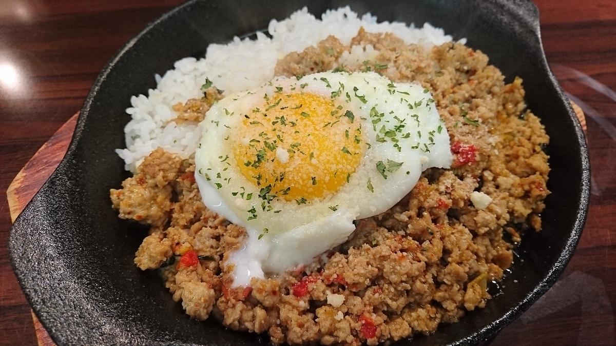 泰国菜经典Gaparolice