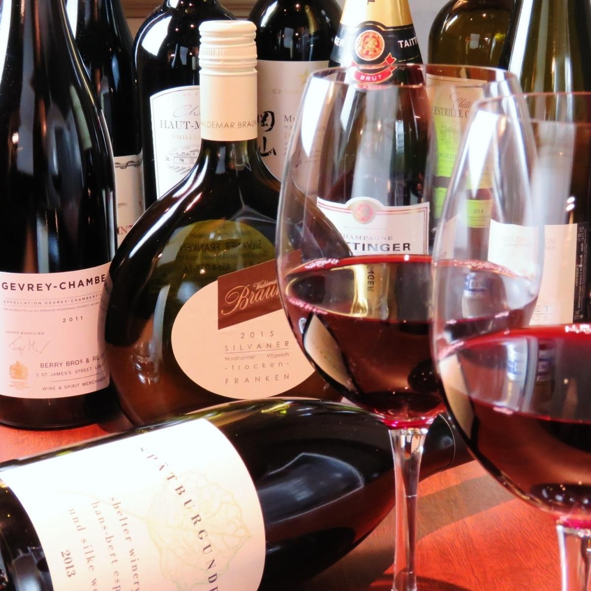 ワインは常時80種類ご用意