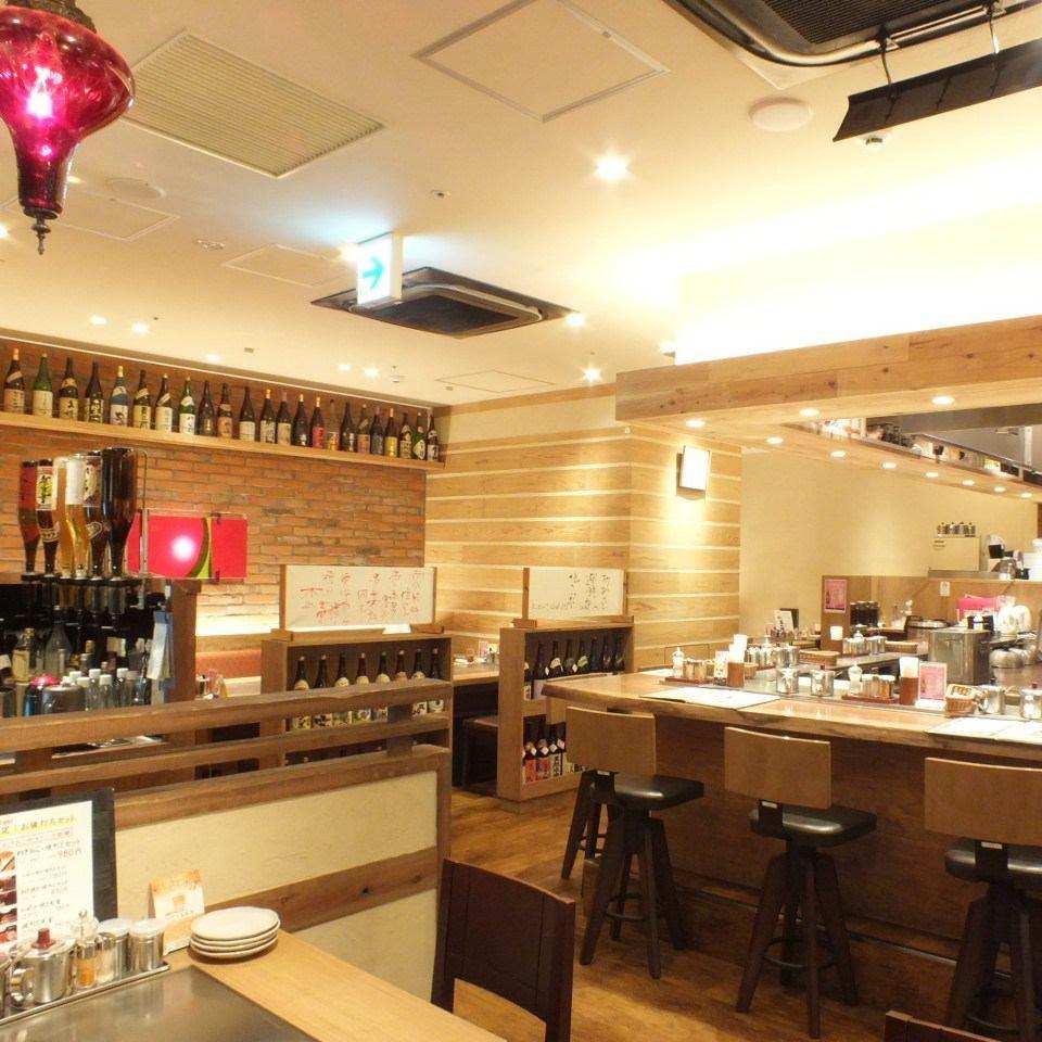 JR大阪·梅田站很快!享用大阪烧和串烧美食★它也是日期和女孩社交的热门!