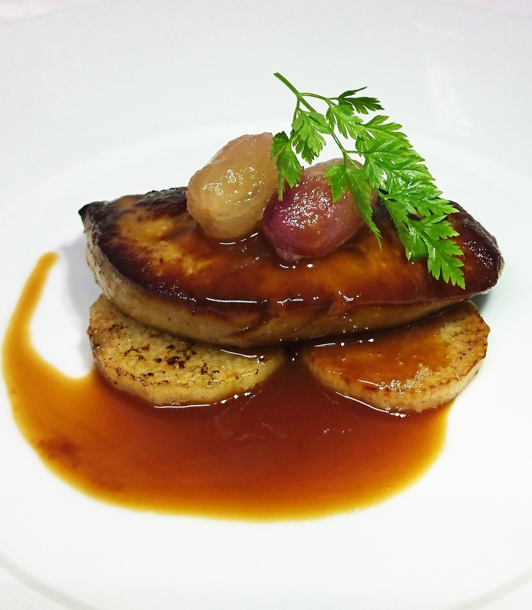 Steak of foie gras Fireweed sauce with sautéed sauce of yam
