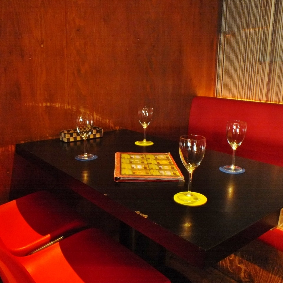 Luxury 4 seat table seat.Feel free to girls party in calm space ♪