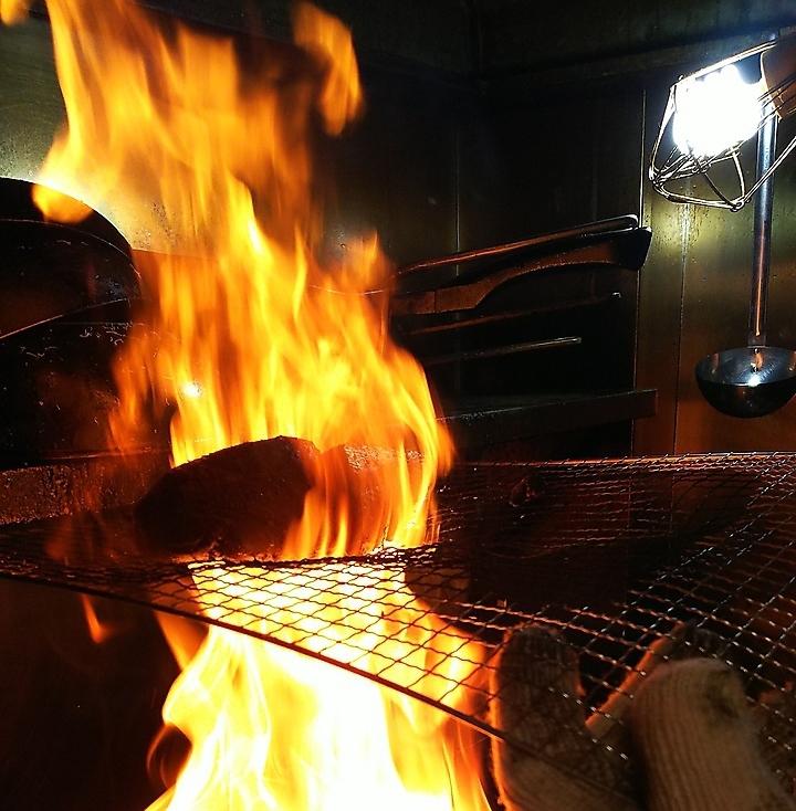 Tataki of pine needle roasted bonito / salt Tataki