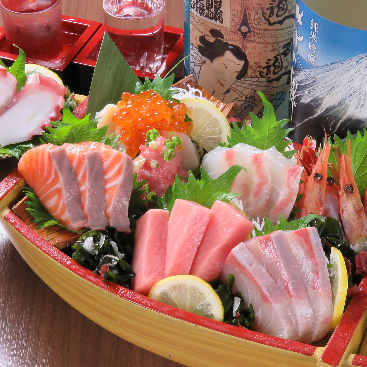 """""""Seafood seven species"""" boat popularity ~ Entering Toro inside this tuna ~"""