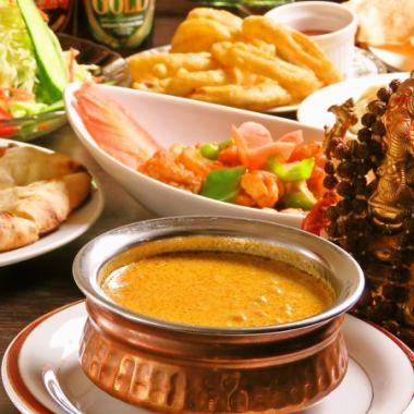 【课程A】咖喱,南,米饭包括10种食物+ 2小时无限畅饮2500日元