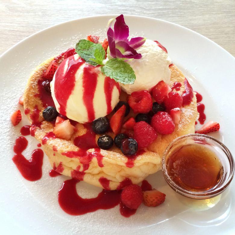 莓莓漿果薄煎餅