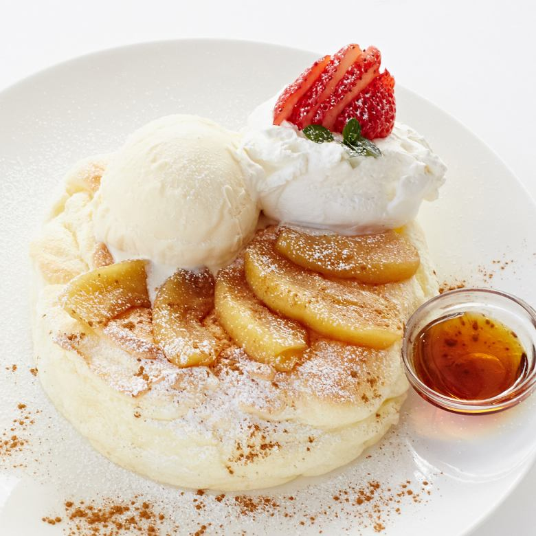 Apple and vanilla ice pancakes