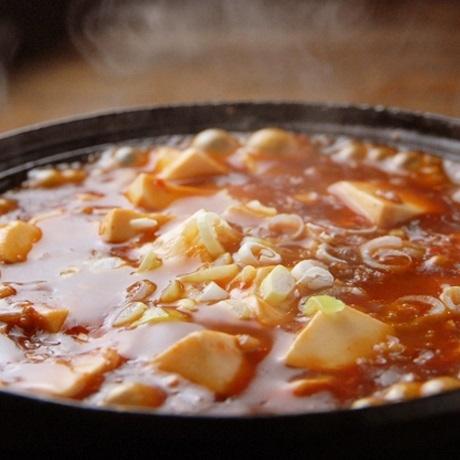 鉄鍋マーボー豆腐(大人気!)/陳マーボー豆腐 (山椒風味)