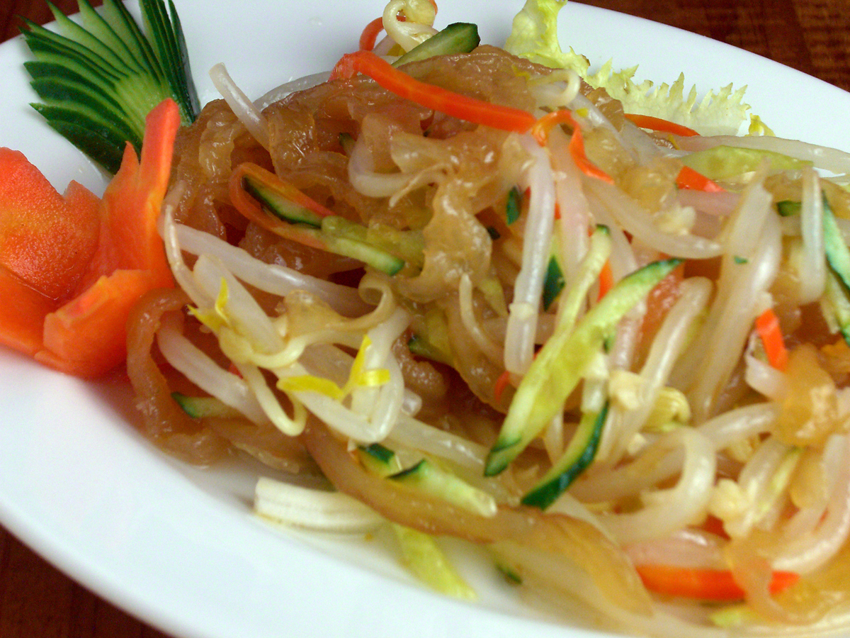 水母沙拉/ chashuw和洋蔥辣辣