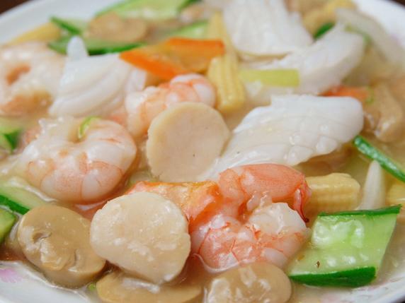 イカとレタスの唐辛子炒め/海鮮三種のあっさり炒め