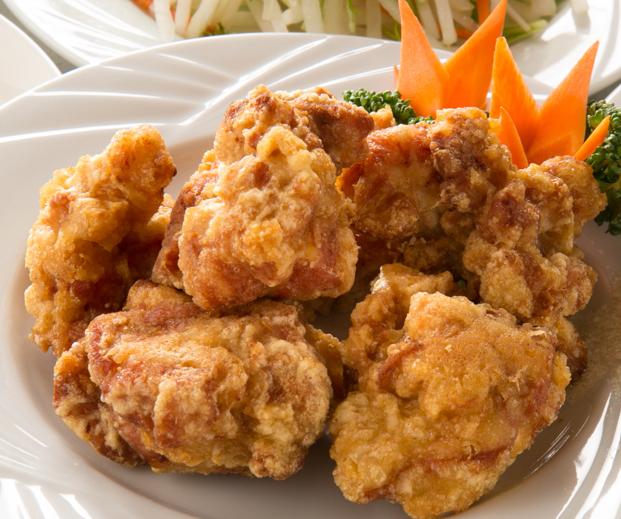 鶏肉の唐揚げ/鶏肉とカシューナッツ炒め