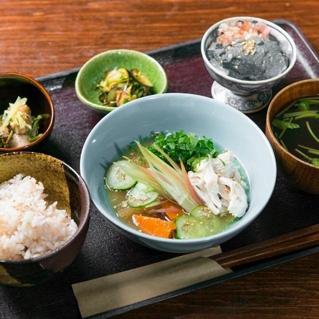 한 국물 세 채소 점심
