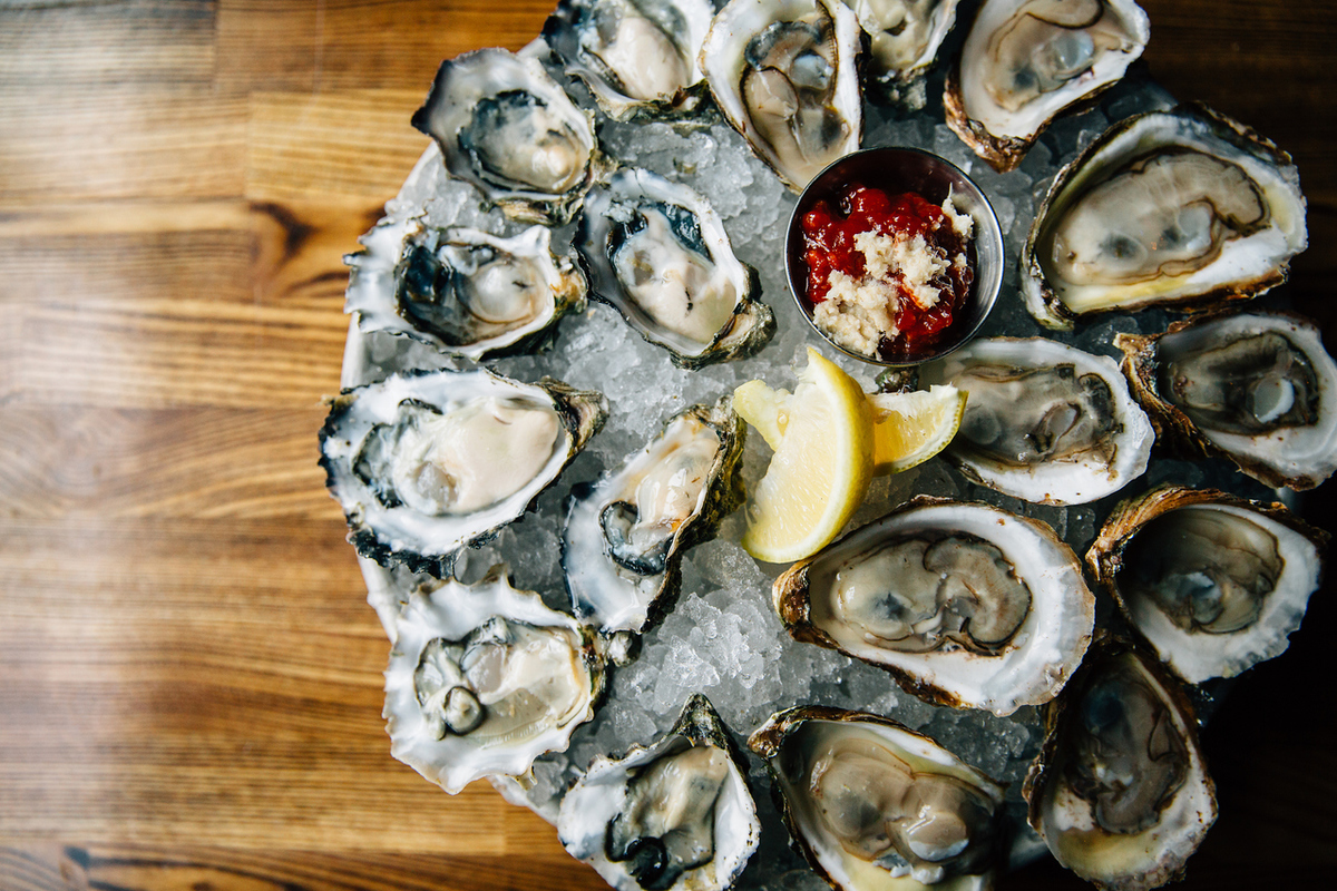 【Lunch is good】 Happy oyster oyster half price ♪