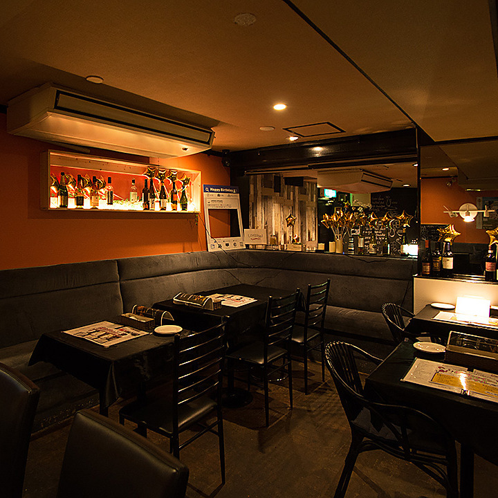 Table seat which can also be used for date ◎ UMI BALL ~ Umibar ~ Oyster Cheese Fondue All you can eat Nishi Shinjuku