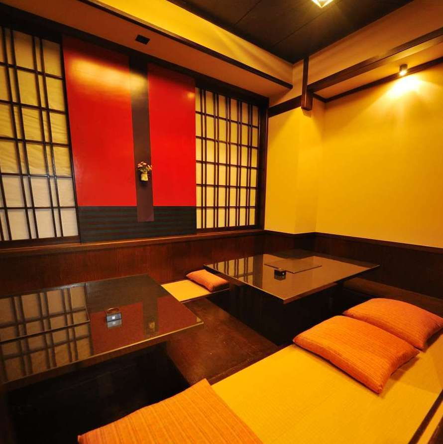 It is a perfect private room of digging type that can be used optimally for 10 people.It is ideal for use in various scenes such as banquet and dinner party.For popular seats, reservations are recommended as soon as possible.Please do not hesitate to tell us your preliminary content.
