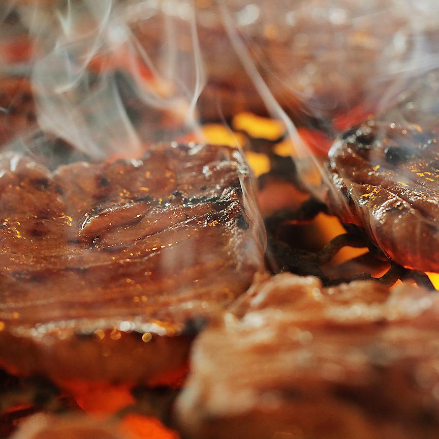 仙台牛里脊配木炭燒烤和烤鹽