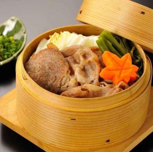 Oshika Peninsula Phantom Island Pig and Sendai Cabbage Steamed Steamed Pork
