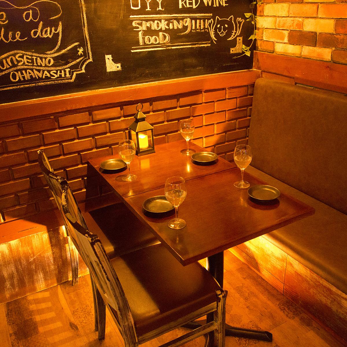 椅子的一侧沙发+桌椅☆
