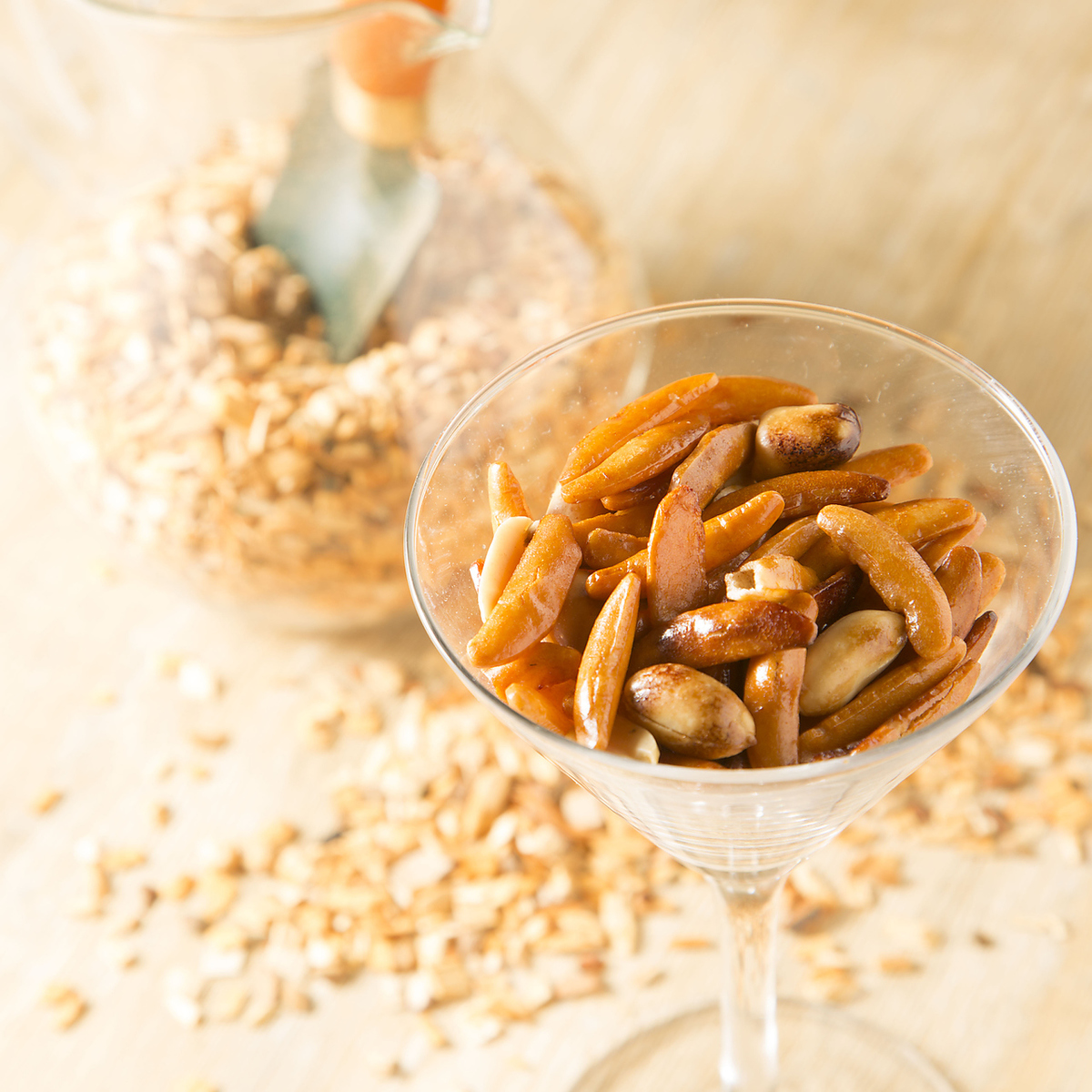 Combination of smoked nuts