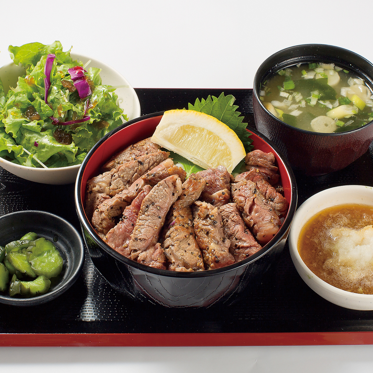 쇠고기 스테이크 덮밥