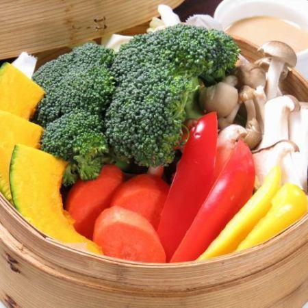 季節野菜のきのこのせいろ蒸し