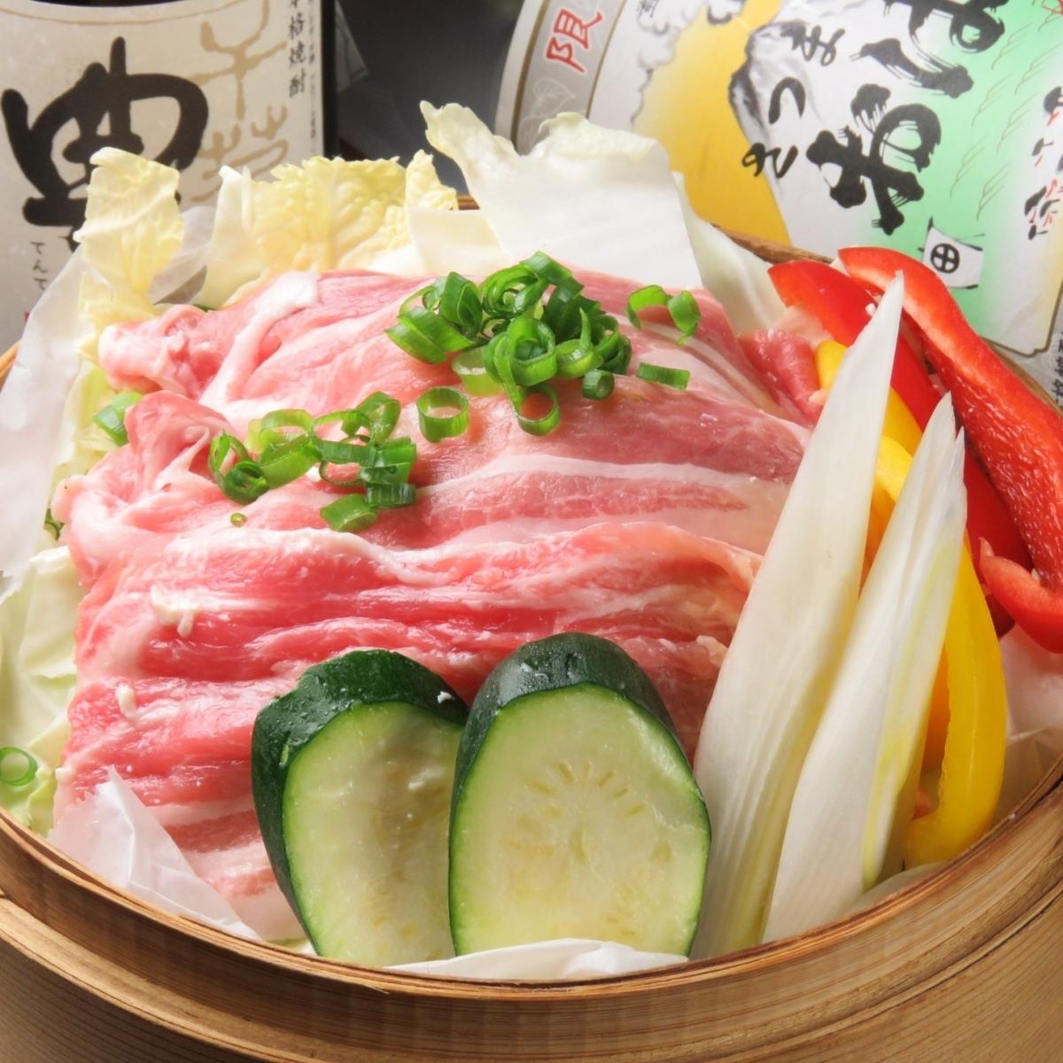 广岛的蒸叶生产叶叶和鲭鱼萝卜