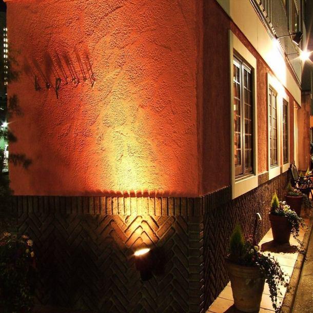메이 에키에서 도보 5 분.연어 살빛 예쁜 가게.25 명에서 단독 주택을 통째로 전세 위지 있습니다 ☆ 밤의 분위기도 ◎ 파리의 거리에있는 것 ♪
