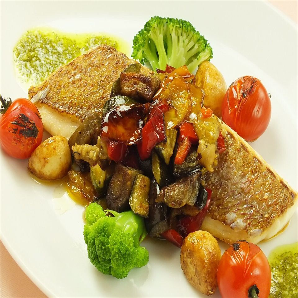 Prairie balsamico sauce of red snapper