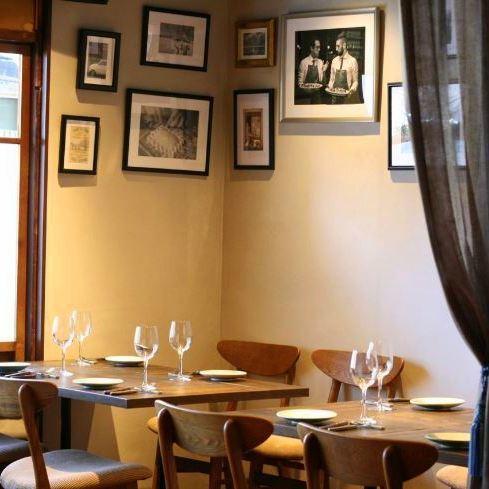 京町屋のお洒落な雰囲気でお料理を楽しめます。2階は貸切パーティーもOK★