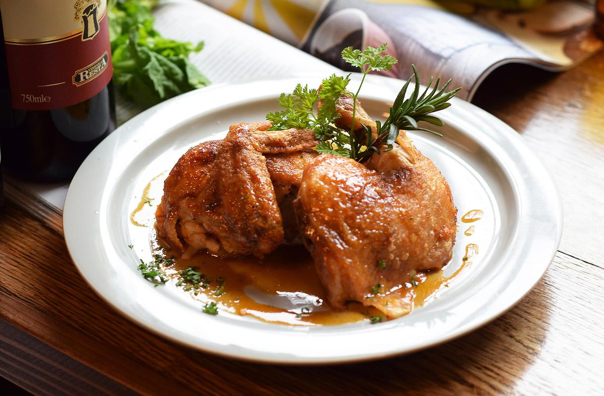 【1日5食限定!】チンクエランチ名物丸鶏とポテトのオーブン焼き[ローズマリーノチキン]