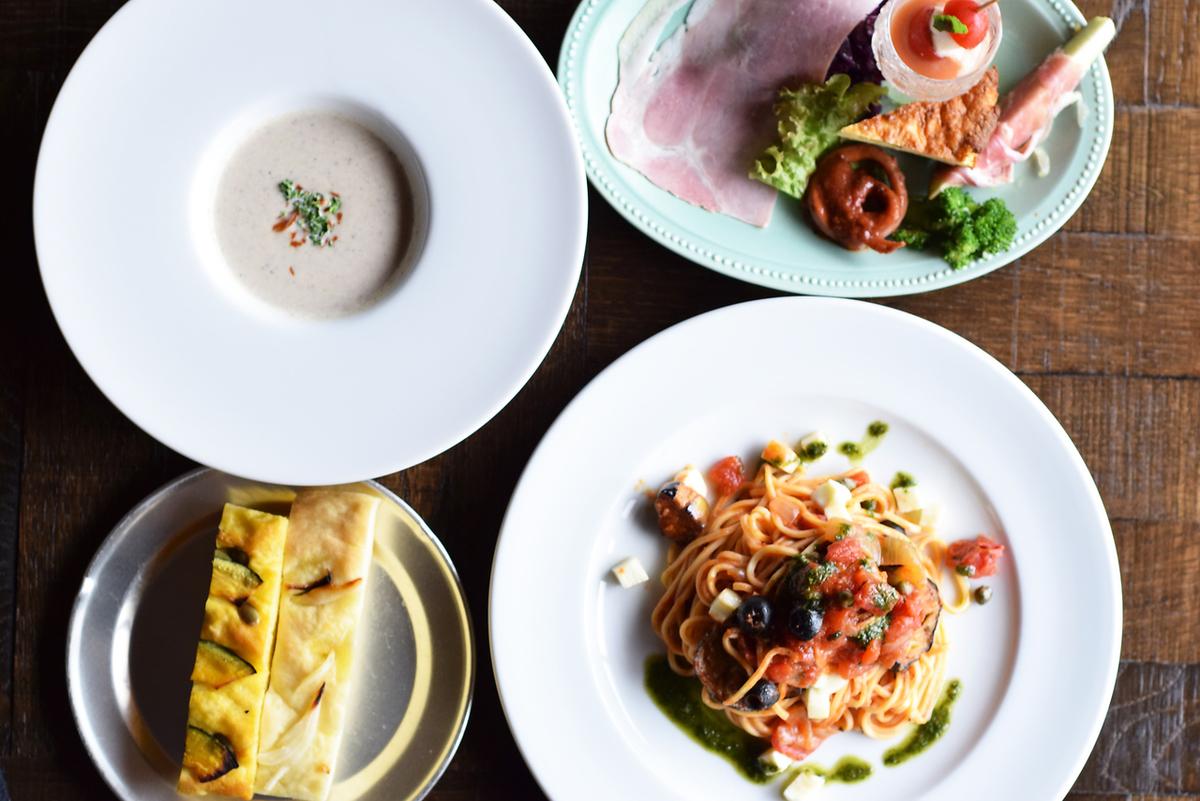 【土日祝限定】11月スペシャルランチ・スープ+前菜盛り合わせ+選べるクラフトパスタ+自家製パン+カフェ