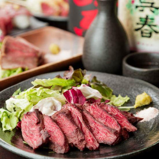 低温調理するなど手間暇かけた柔らかくてジューシーな肉料理を!