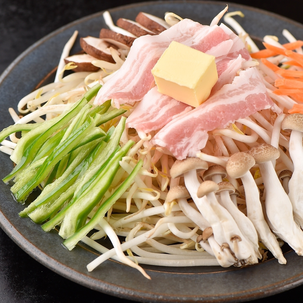 Stir-fired bean sprouts