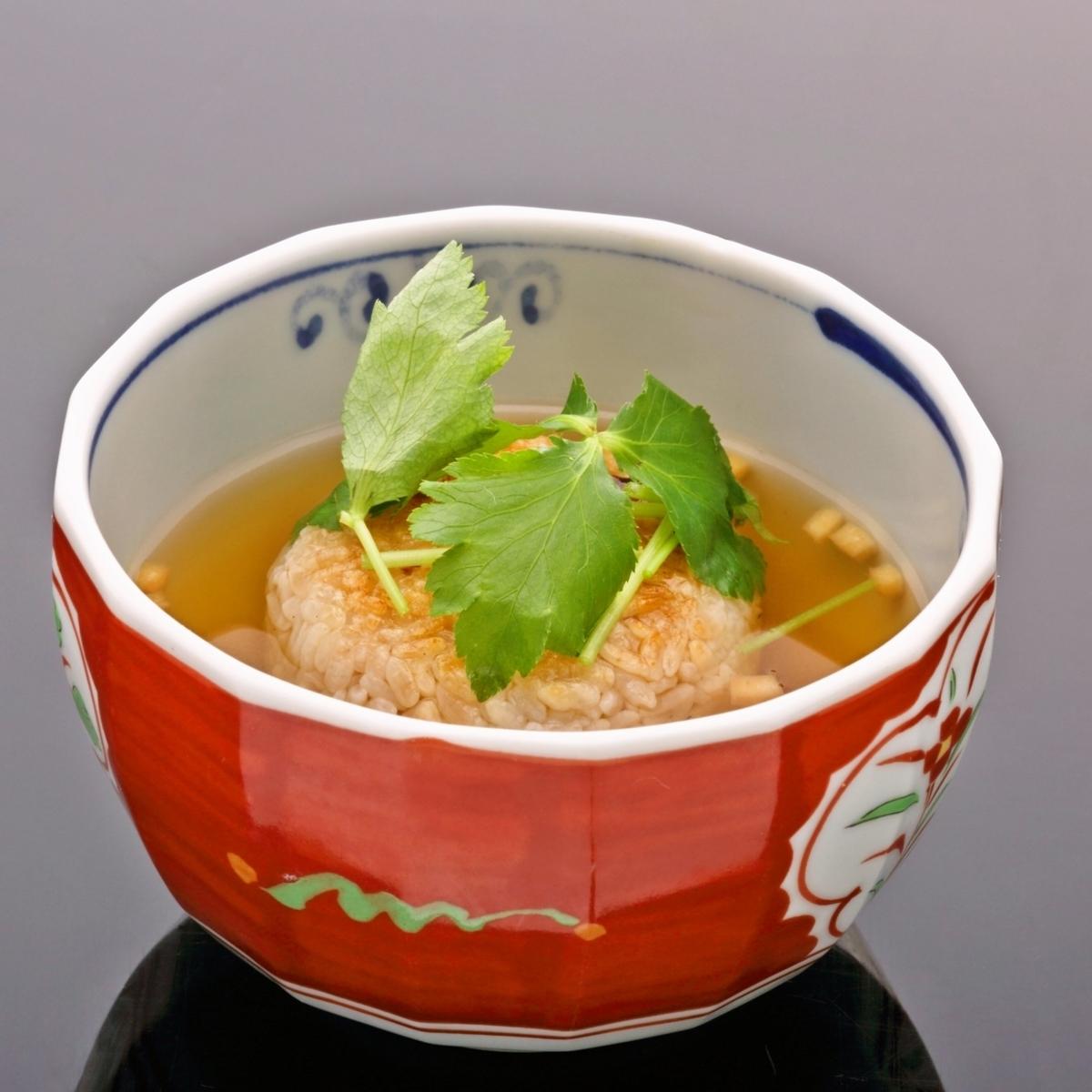 茶(烘烤饭团的Ochazuke)