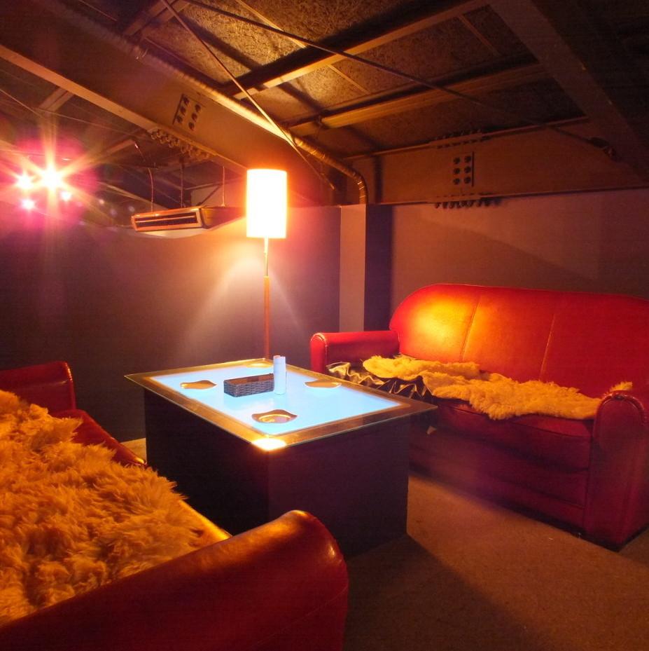輕鬆放鬆的沙發座椅也是女孩協會,約會和第二方使用的熱門♪