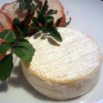 Whole Camembert baked